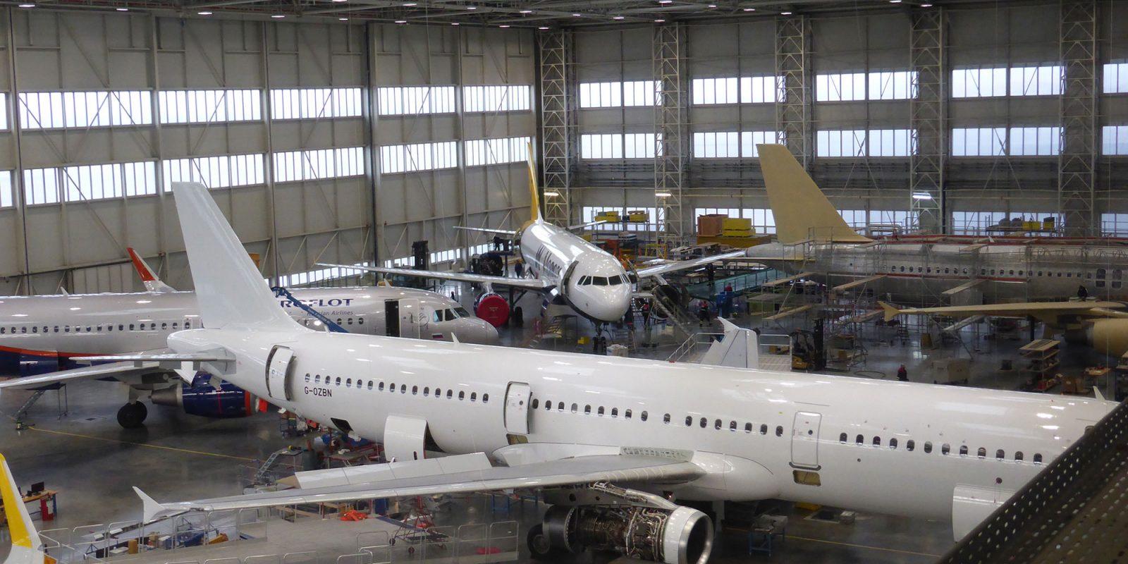 Aircraft-in-Hangar---Ostrava-Photo-1