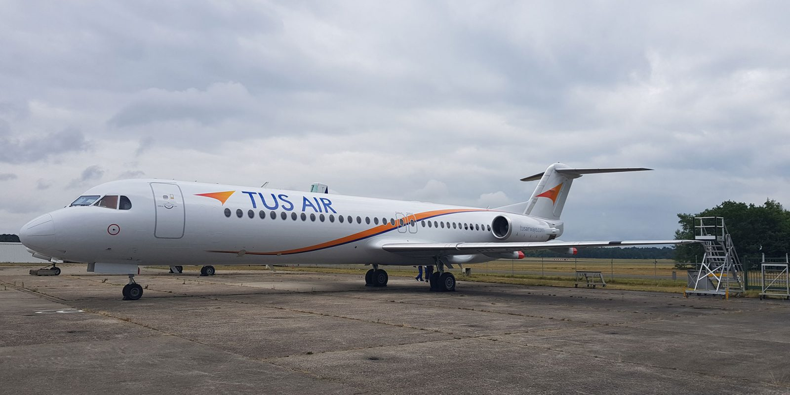 TUS-Air-Fokker-F28